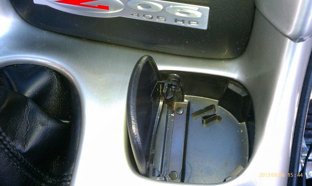 Spring Loaded Cup Holder Cover Fix?-cl2.jpg